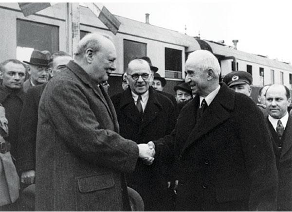 Churchill Adana İNGİLTERENİN TÜRKİYEYİ SAVAŞA DAHİL ETME ÇABALARI